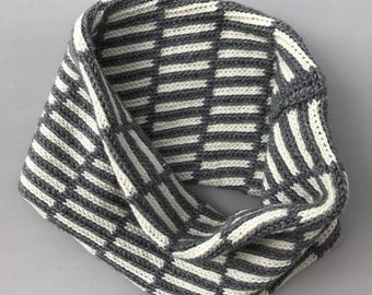 HERITAGE: Double Knit Hand Made Graphic Cowl