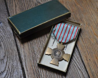 Vintage French Military Medal