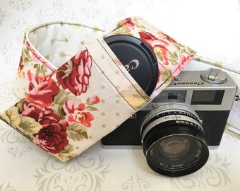 Vintage Style DSLR Camera Strap, Padded, Lens Cap Pocket, Nikon, Canon, DSLR Photography, Photographer Gift, Wedding - Floral & Gold Arrows