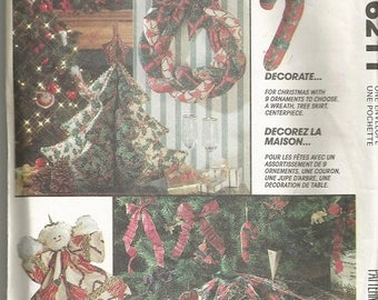 Vintage McCall's 6211 Christmas Craft Pattern