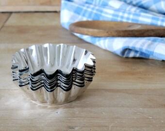 BEAUTIFUL Vintage Fluted Swedish Tart Tins Set of 7 Made in Sweden