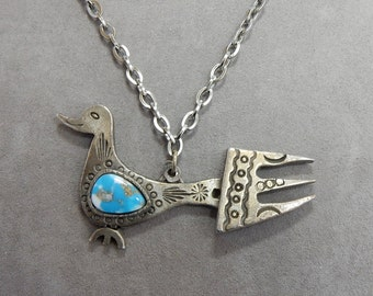 Stamped Silver Stylized Southwestern Bird w/ Turquoise Pendant Necklace    OP2