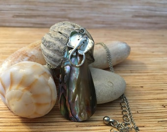High Polished Mother of Pearl Stingray Necklace