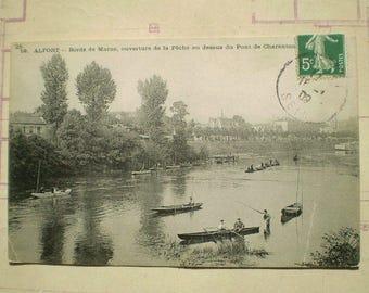 Alfort - 1909 - Antique French Postcard - Bords de Marne, ouverture de la Peche au dessus du Pont de Charenton
