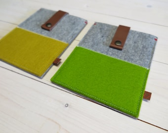 SALE Kobo Glo (HD) felt cases in yellow and green with leather closure