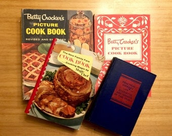 Cook Book Collection, Cookbook Antique Books, Book Decor, Recipe Book Collection, Betty Crocker Picture Cook Book, Family Fare