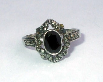 Sterling Silver Onyx Marcasite Ring Antique Victorian Ornate Faceted Oval Design Size 5.75 Vintage
