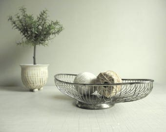 Silver Wire Basket , Vintage Oblong Silver Plated Basket, William Adams Italian Made Bread Basket , Silver Fruit Bowl , Retro Modern Decor