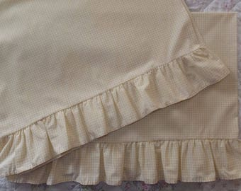 Pair Vintage Wamsutta Yellow & White Gingham Check Pillowcases