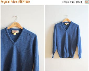 SPRING SALE vintage 60s blue English wool boyfriend sweater - v neck sweater / Alan Paine - heritage lambswool sweater / 1950s preppy sweate