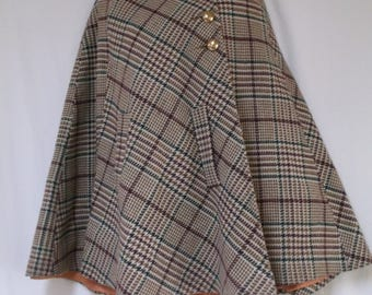 Vintage Wool Cape, Plaid, Lined in Taffeta, One size
