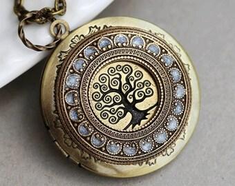 ON SALE Tree of life,Brass Locket,Locket,Leaf,Tree,Bird,Antique Locket,Filigree Leaf,Jewelry Gift ,Locket Necklace,Wedding Necklace