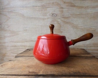 Vintage Enameled Cast Iron Pot with Lid Red Enamelware Sauce Pot