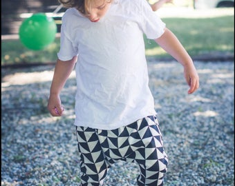 Boys Monochrome Harem Shorts black and white baby toddler kids 3 6 9 12 18 24 months 2T 3T 4T 5T triangles