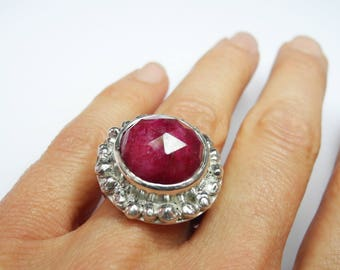 Iris ring - with ruby