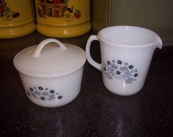 Pyrex Blue Flower Summer Impressions Sugar and Creamer with lid!   Excellent!