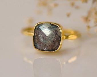 Labradorite Ring Gold, Natural Stone Ring, Cushion Cut Ring, Solitaire Ring, Gemstone Ring, Stacking Ring, Mother's Ring, Statement Ring