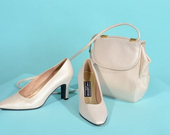 Vintage Stuart Weitzman Shoe Purse Set - Cream Gold - Bridal Fashions Size 7