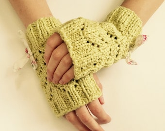 Spring Green Organic Cotton Fingerless Gloves With Bow
