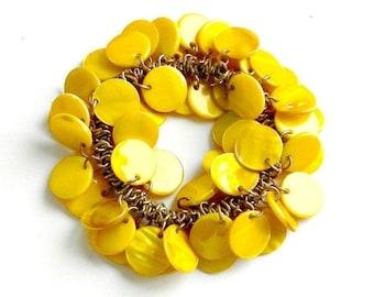 Vintage Cha Cha Bracelet, Bright Yellow Bracelet, 1950s Jewelry, Dyed Mother of Pearl Charm Bracelet, Expansion Bracelet.