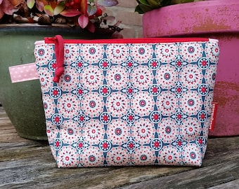 Notions or make-up bag, lined and interfaced, knitting project bag, knitting notions bag, crochet, zippered bag, toilet bag, turquoise, pink
