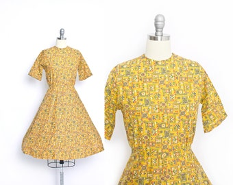Vintage 1960s Dress - Yellow Cotton Print Day Sun House Novelty Print 60s -  Small