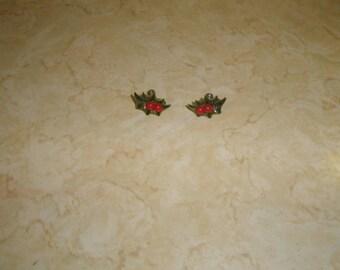 vintage screw back earrings lucite holly berries