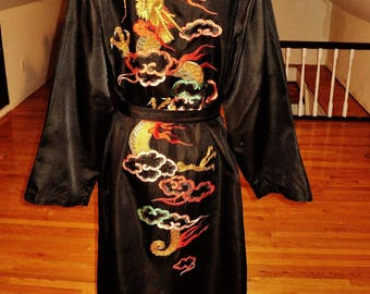 Vintage 1940 Chinese Gold hand embroidered Kimono with sash Raw silk content