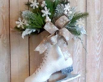 Christmas Ice Skate , Winter Wreath, Holiday Door decor, Wall decor, Shabby Cottage, Traditional, Farmhouse, Vintage ice skate