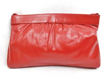 HALSTON CLUTCH RED Leather Convertible Crossbody  Handbag Magnetic Opening Street Style Vintage