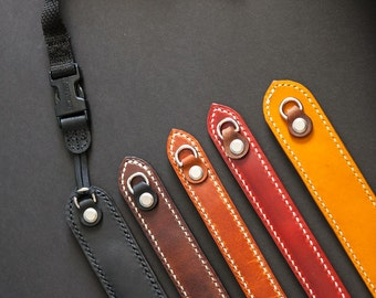 Horween black camera strap, padded camera strap, handsewn leatherwork, made in usa, jacobson leather