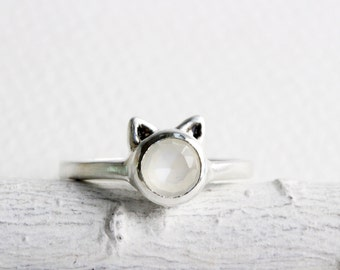 White Cat Ring,White Moonstone and Sterling Silver, Cat Fine Jewelry,MADE TO ORDER