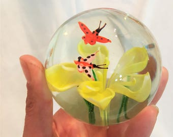 Butterfly and Yellow flower, blown glass paperweight - FREE SHIPPING