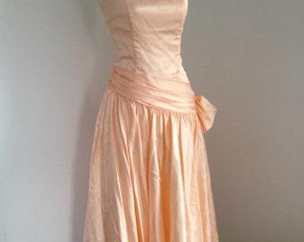 1980's Strapless Peach Pink  Side Bow Prom Dress size  S by Zum Zum