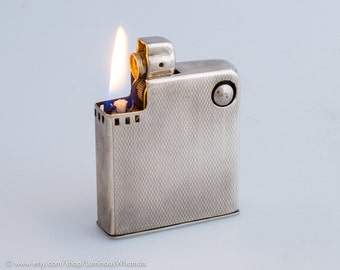 Working 1950s Drollinger Favorit Semi-Automatic Pocket Lighter With Silverplate Finish