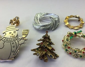 Vintage Christmas Jewelry Lot: Mix of 5 Christmas Brooches Pins. Angel, Wreathes, Tree and Snowman. Crystals, Brass, Silver or Gold Tones.