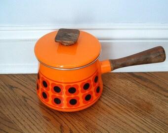 Vintage Orange Red Enamel Pot Saucepan / Sauce Pan, Mod Orange Enamelware, Orange Fondue Pot, Scandinavian Danish Modern Style