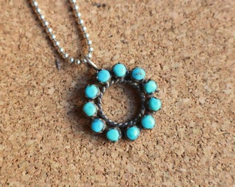 Turquoise Circle Necklace / Zuni Style Jewelry / Vintage Southwest Silver Necklace