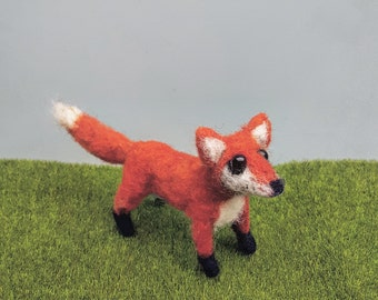 Needle felted, fox sculpture, miniature, felt animal, hand crafted, fiber art, woodland theme, waldorf decor, forest animal, posable