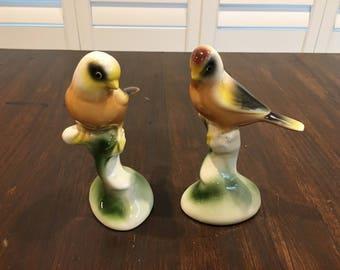 Pair of  birds vintage figurine statue