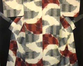 Vintage Japanese Meisen Silk Kimono - Cream w/ Red / Black / Gray Bundles of Grain Pattern.