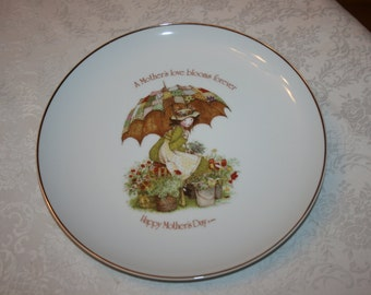 Vintage Holly Hobbie Collectible Ceramic Plate Happy Mother's Day, A Mother's Love Blooms Forever 1976