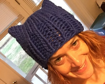 Blue Pussyhat: bulky yarn royal blue