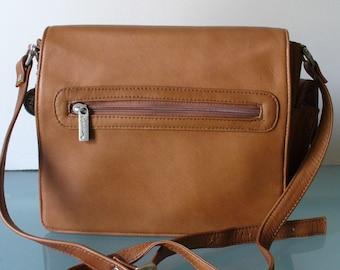 Vintage Made in Colombia Lavive Caramel Leather Shoulder Bag