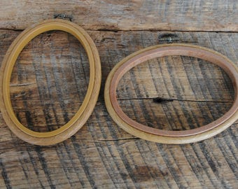Vintage Faux Wood Oval Plastic Embroidery Craft Picture Hoops Set of 2