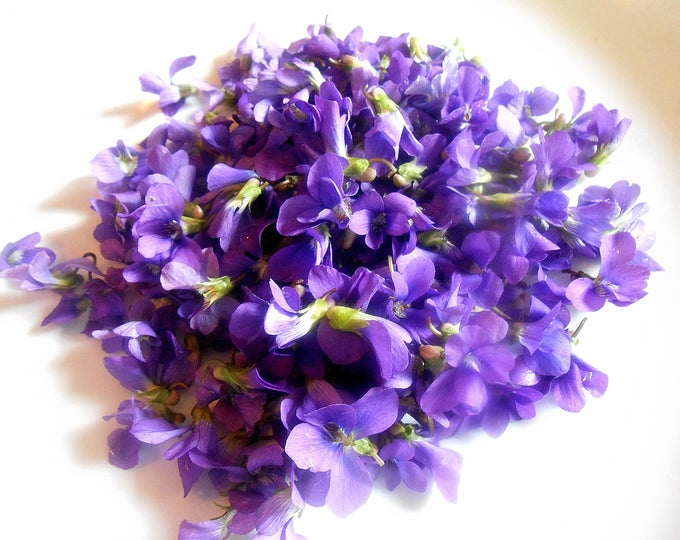 Organic Sugared or Fresh WILD VIOLETS, Edible Sweet Violets, Cupcake Toppers, Wedding Cakes, This week only