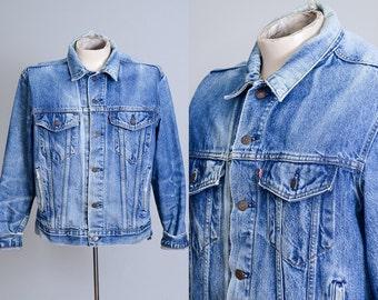 Levis Trucker Jacket Blue Denim Distressed Ranch Hand Four Pocket Jean Jacket