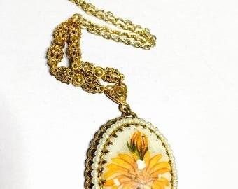 Vintage  flower pendant, antique gold tone, floral design, Clearance Sale, item B267