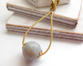 Retro Smoke Blue-Gray Bead Gold Tone Teardrop Pendant Rope Chain Necklace P24