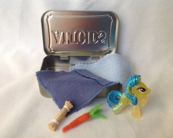Stocking Stuffer My Little Pony House, Altoids Tin My Little Pony bed, Quiet Time Toy, Travel Toy